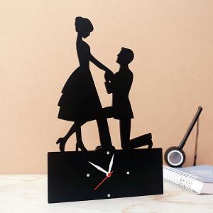 Classic Black Couple Clock