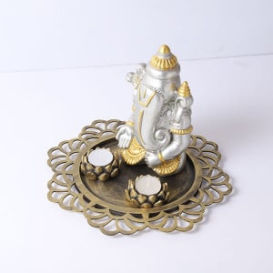 Elegance Ganesha With Wooden Tray