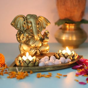 Ganpati Set In An Oval Shape Tray - Online Gift Ideas