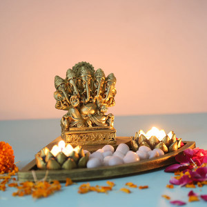 Ganesha Gift Set In An Oval Shape Tray