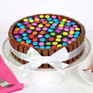 Kit Kat Cake - Send Cakes to Sonipat