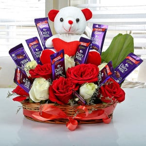 Astonishment Arrangement - Online Flower Delivery In Kurukshetra