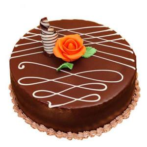 Round Chocolate Truffle Cake