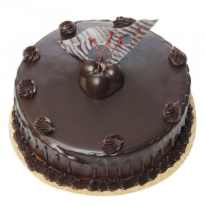 Cream Chocolate Truffle Cake