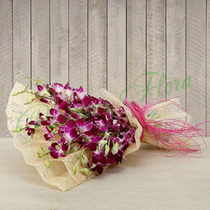 Welcoming Beauty - online flowers delivery in dera bassi