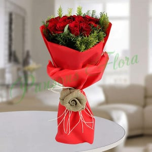 Red Roses Romantic Bunch - online flowers delivery in dera bassi