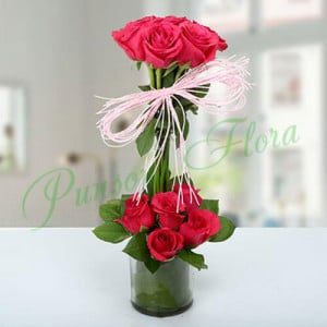 Splendid Rose Arrangement - Online Flower Delivery In Kurukshetra