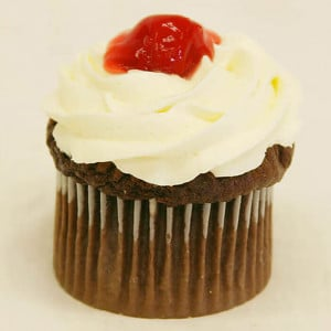 Black Forest 6 Cup Cakes - Send Cup Cakes Online