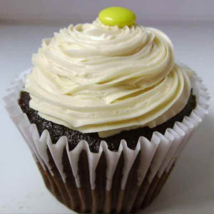 Chocolate Creamy 6 Cup Cakes - Send Cup Cakes Online