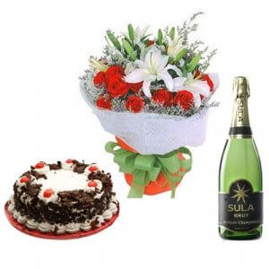 Passionate Flame - Wedding Anniversary Bouquet with Cake Delivery