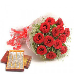 Sweets N Roses - Flowers with Sweets Online
