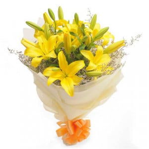 Sunshine 6 Yellow Lilies - Send Valentine Gifts for Wife