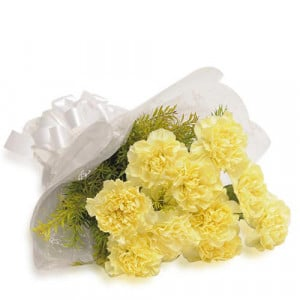 Sunny Delight 12 Yellow Carnations