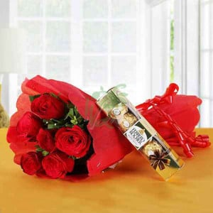 Ferrero Red Love - online flowers delivery in dera bassi