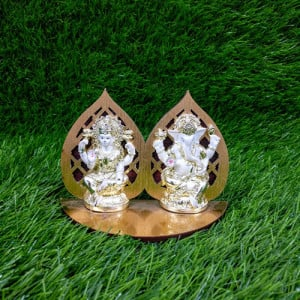 Metallic Look Lakshmi Ganesha Idols Statue