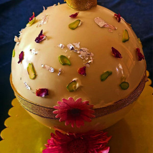 Rasmalai Pinata Cake