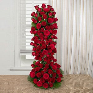 Long Live Love 100 Red Roses Online - Online Flower Delivery In Kurukshetra