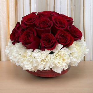 24 Seasonal Flowers - Send Flowers to Amreli Online