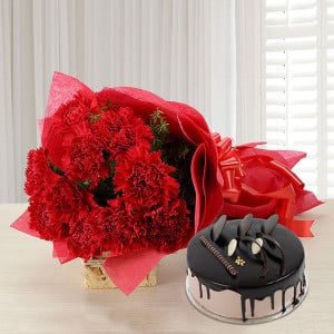 Carnations of Love - Wedding Anniversary Bouquet with Cake Delivery