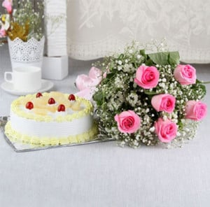 From The Heart - Wedding Anniversary Bouquet with Cake Delivery