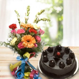 Breathless 16 mix flowers with chocolate cake - online flowers delivery in dera bassi