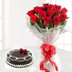 Choco Love | Online Cake Delivery - Send Valentine Gifts for Her
