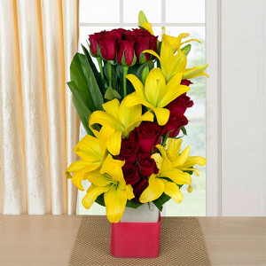 Hearteous Confession 8 Yellow Asiatic Lilies and 20 Red Roses - Send Flowers to Dehradun
