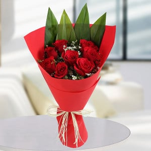 Love With Care 8 Red Roses - Send Flowers to Amreli Online