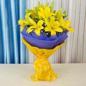 Sunshine Flowers 6 Yellow Lilies Online - Send Valentine Gifts for Her