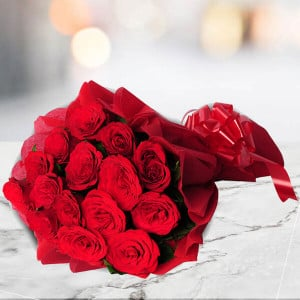 15 Red Roses Bouquet - Send Flowers to Amreli Online