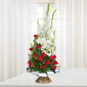 Beauty of Red and White - online flowers delivery in dera bassi