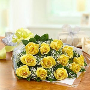 Exquisite 12 Yellow Roses Online - Send Flowers to Belur Online