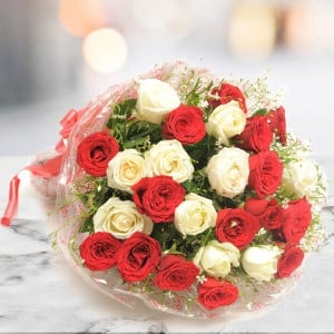 25 Red N White Roses Online - Online Flower Delivery In Kurukshetra