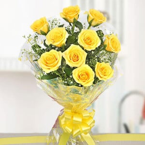 Yellow Delights 10 Roses Online - Online Flower Delivery In Kurukshetra