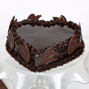 Online Love Heart Chocolate Truffle - Cake Delivery in Mumbai