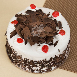 Blackforest Luxury Cake Half Kg - Cake Delivery in Mumbai