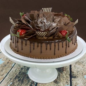 Scrumptious Chocolate Flakes Cake 1kg - Cake Delivery in Mumbai