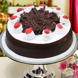 Online Black Forest 1kg - Cake Delivery in Mumbai