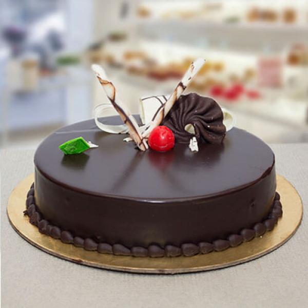 Chocolate Truffle Round Cake