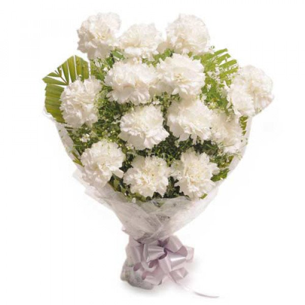 Stary 12 White Carnations