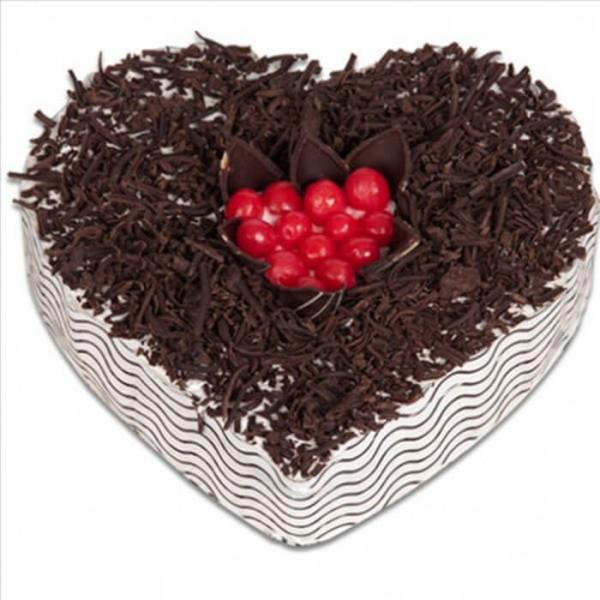 Black Forest Mid Cherry Cake (Half Kg)