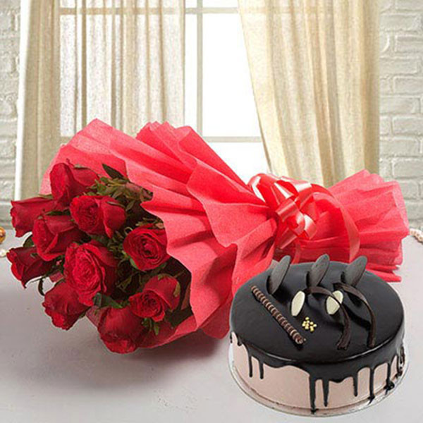 10 Red Roses with 500gm Chocolate Cake